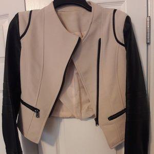 Jackets & Blazers - NWOT Crop jacket
